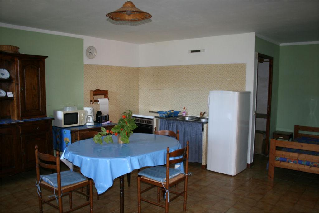 L'espace cuisine de l'Amandier